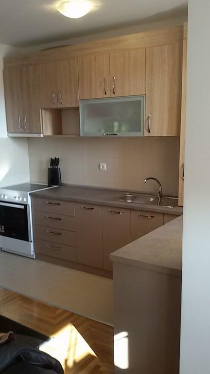 kuhinje po meri moj ambijent novi sad. Black Bedroom Furniture Sets. Home Design Ideas